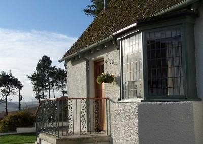 baillie-scott-cottages-front-door
